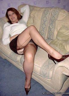 Nackt reife sexy frauen dicke beine
