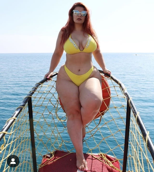 Frauen models plus size mollige kurvige sexy