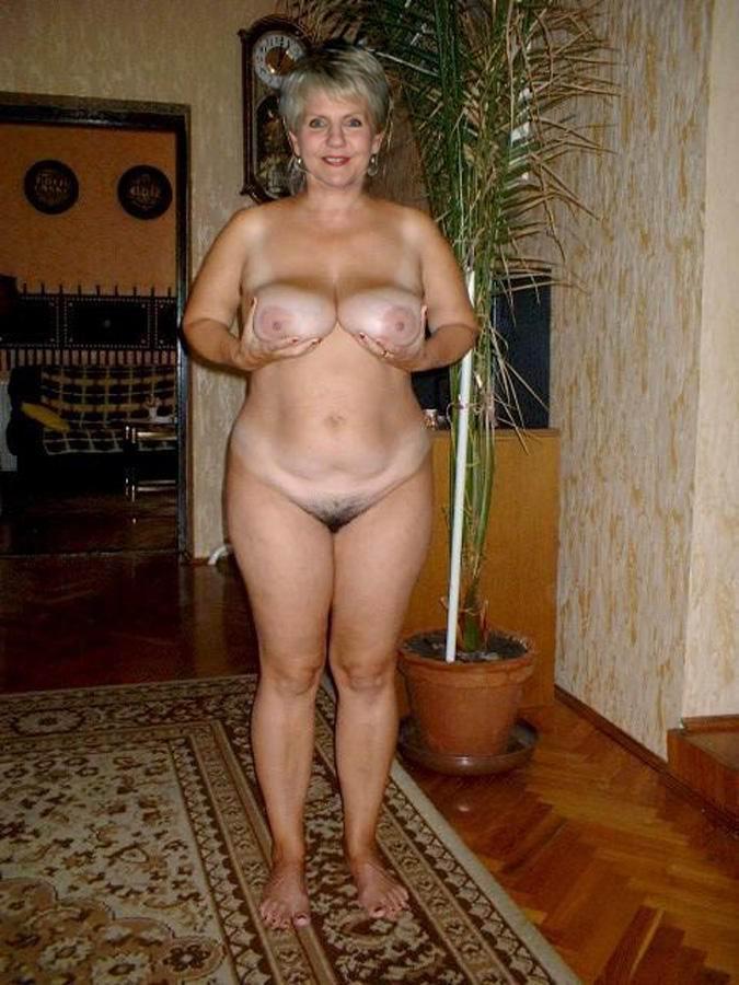 Nackt privat zuhaus