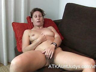 Nackt reife milfs von nebenan