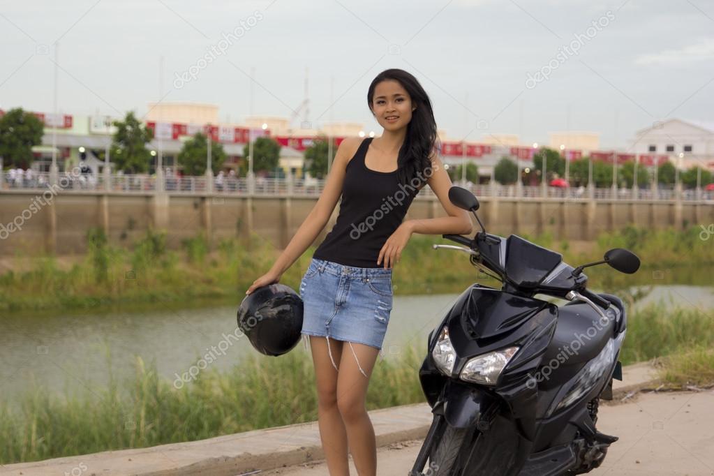 Madchen mini rock asiatische sexy