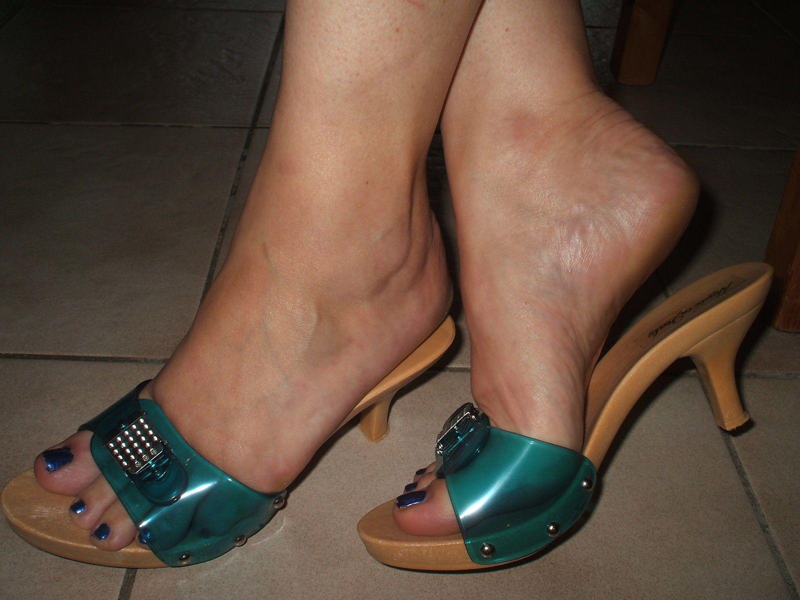 Madchen high thong heels tragen sexy