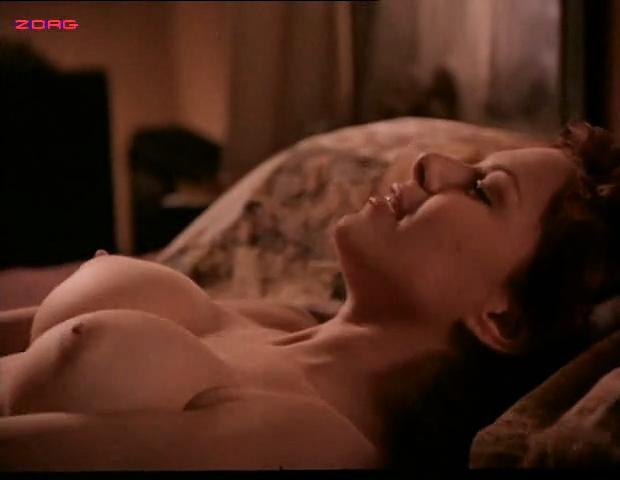 Croix nude fotos kari la