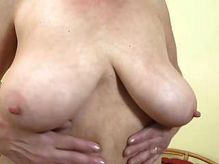 Große und chinesen große brüste muschi