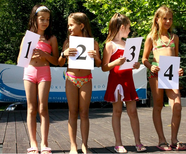 Familie zu russische hause nudisten