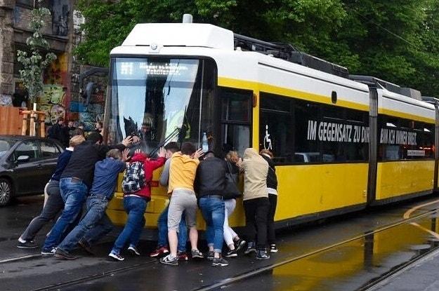 Aus der pararam gigant dem tram