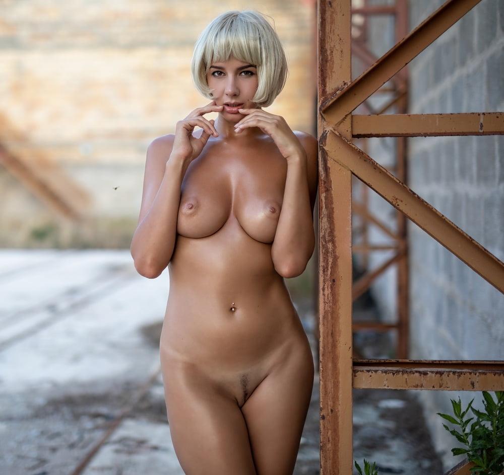 Blonde ass tan hot line