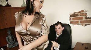 Mann schwarze frau kussen beim sex weier