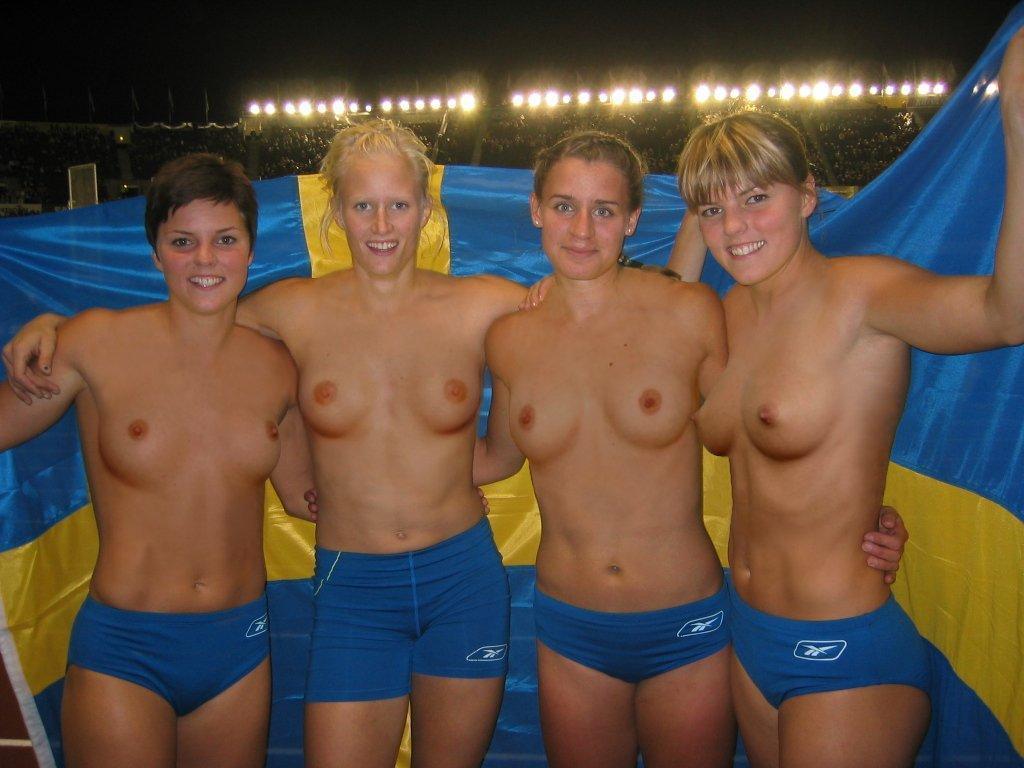 Girls sex nude swim team
