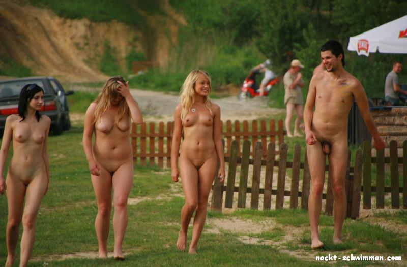 Frauen gruppen nackt