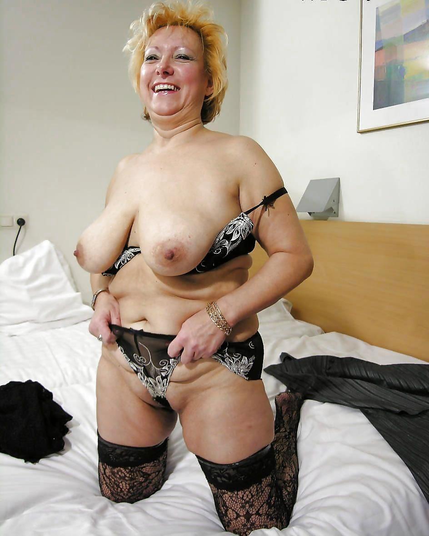 Nackt amateur frauen frau reife
