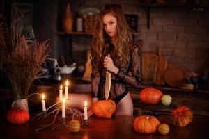 Model siehe kleid brunette lingerie durch