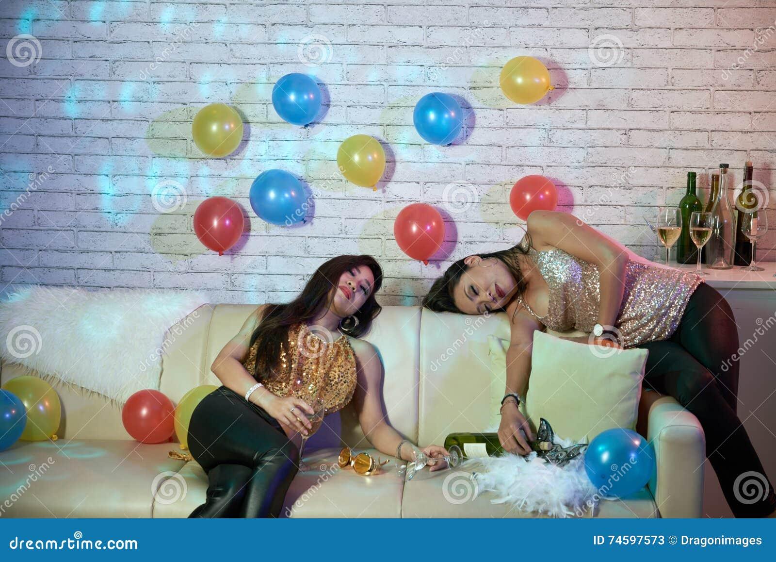 Teens der party nach betrunkene