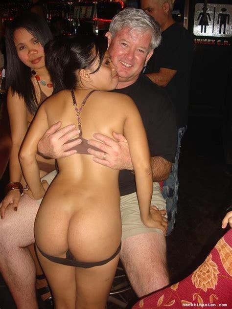 Nackte nackt bilder frauen von thai