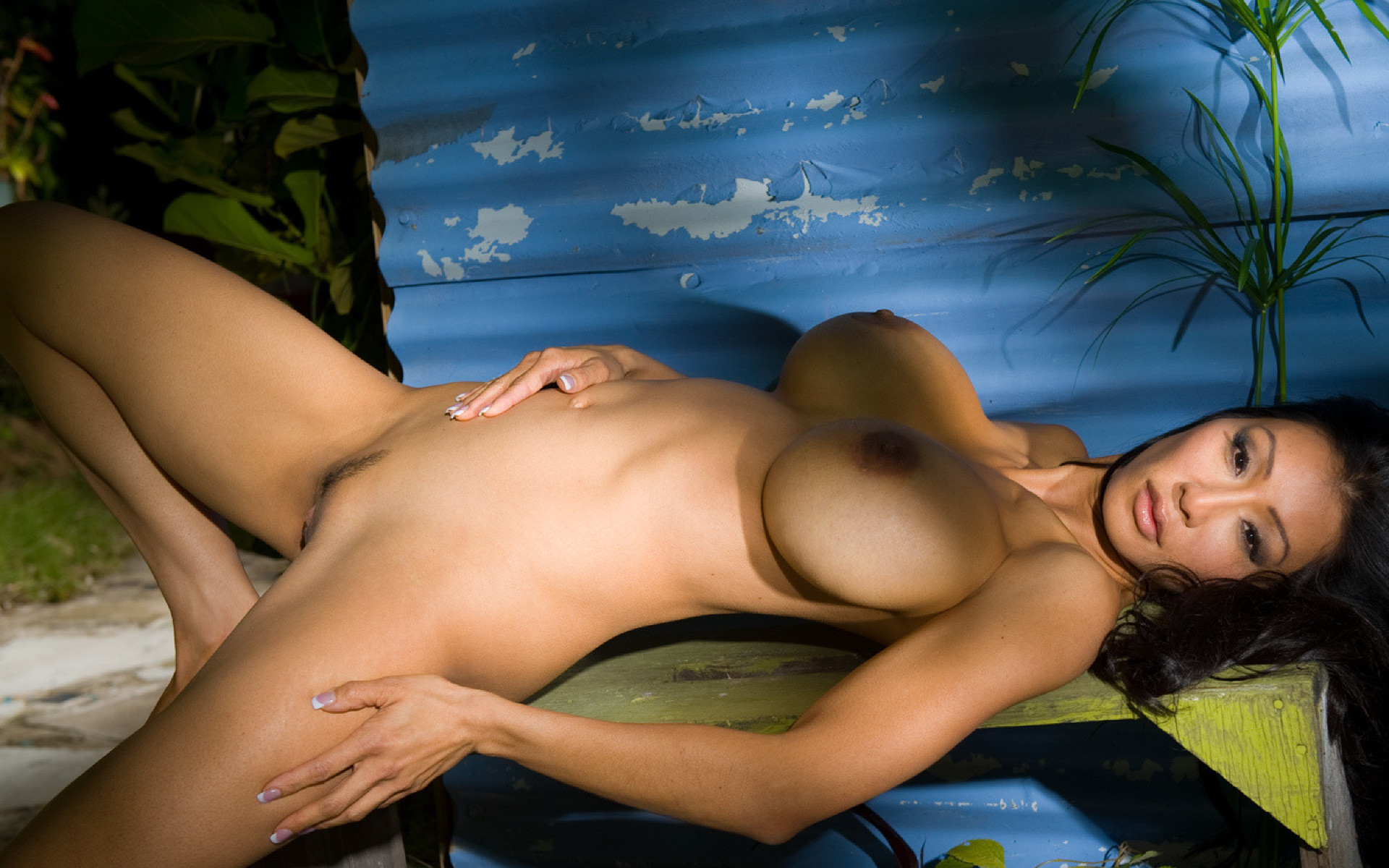 Bilder nackt sexy frauen kiana kim playboy
