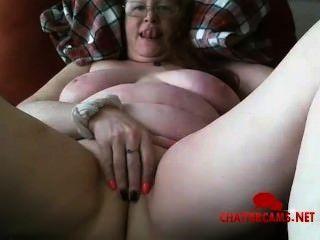Dehnungsstreifen mit mature titten saggy