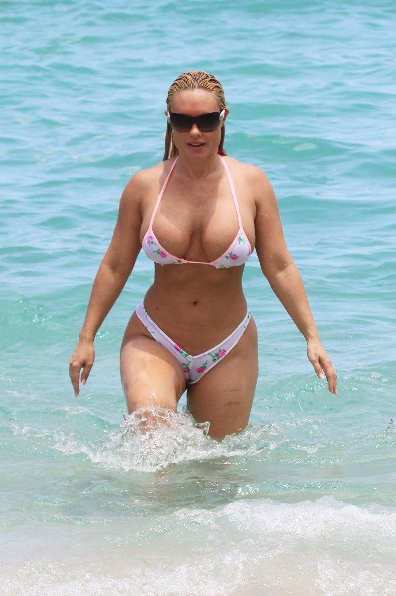 Coco bikini nicole austin nip slip