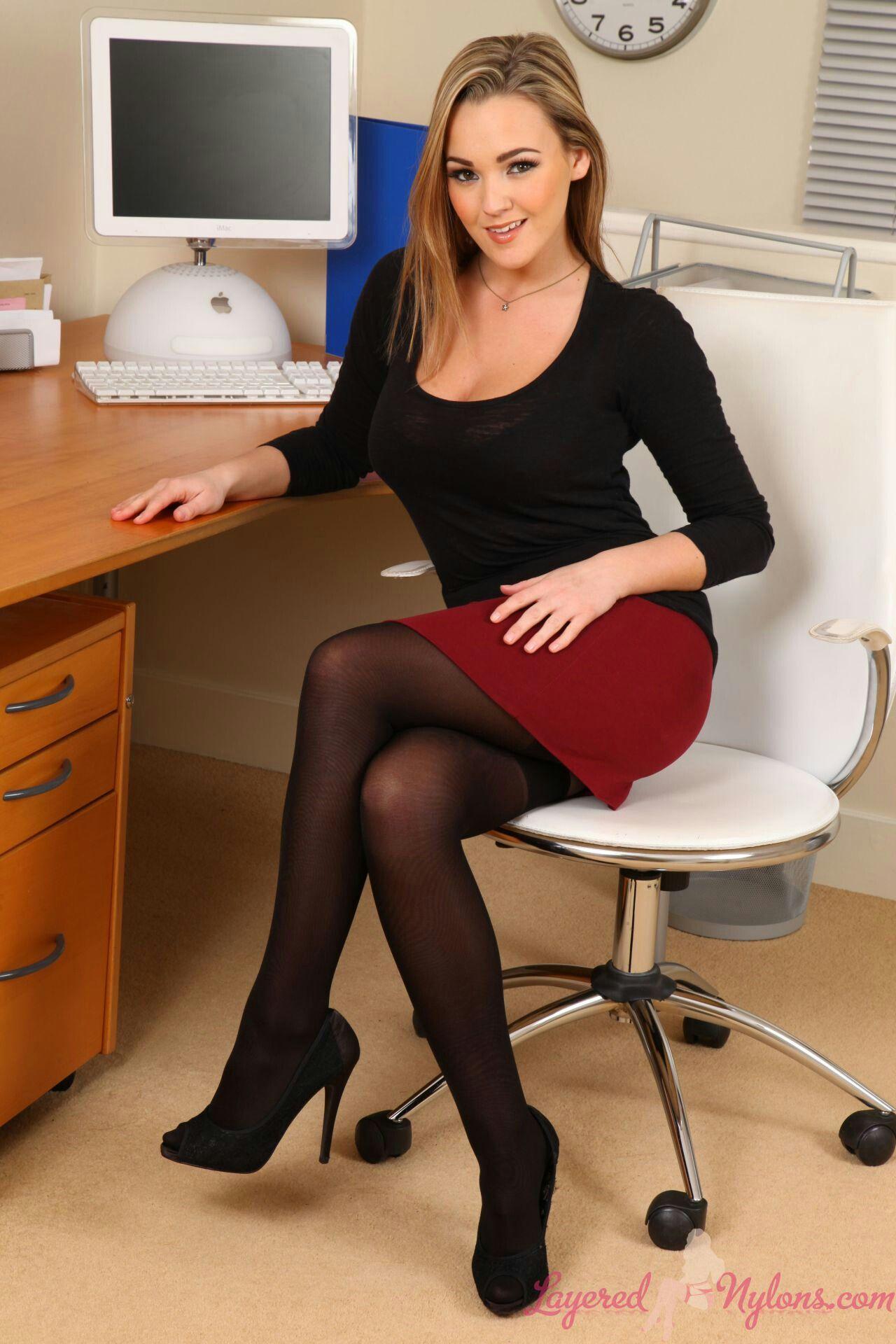 Kleider sex porno bilder girls sexy office