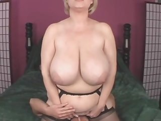 Groen titten amateur blonde frau