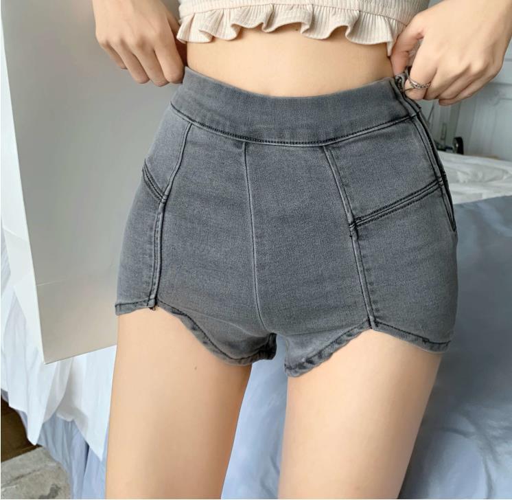 Den rohren auf short sexy shorts frauen