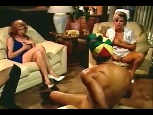 Von frauen infron mann nackt porno