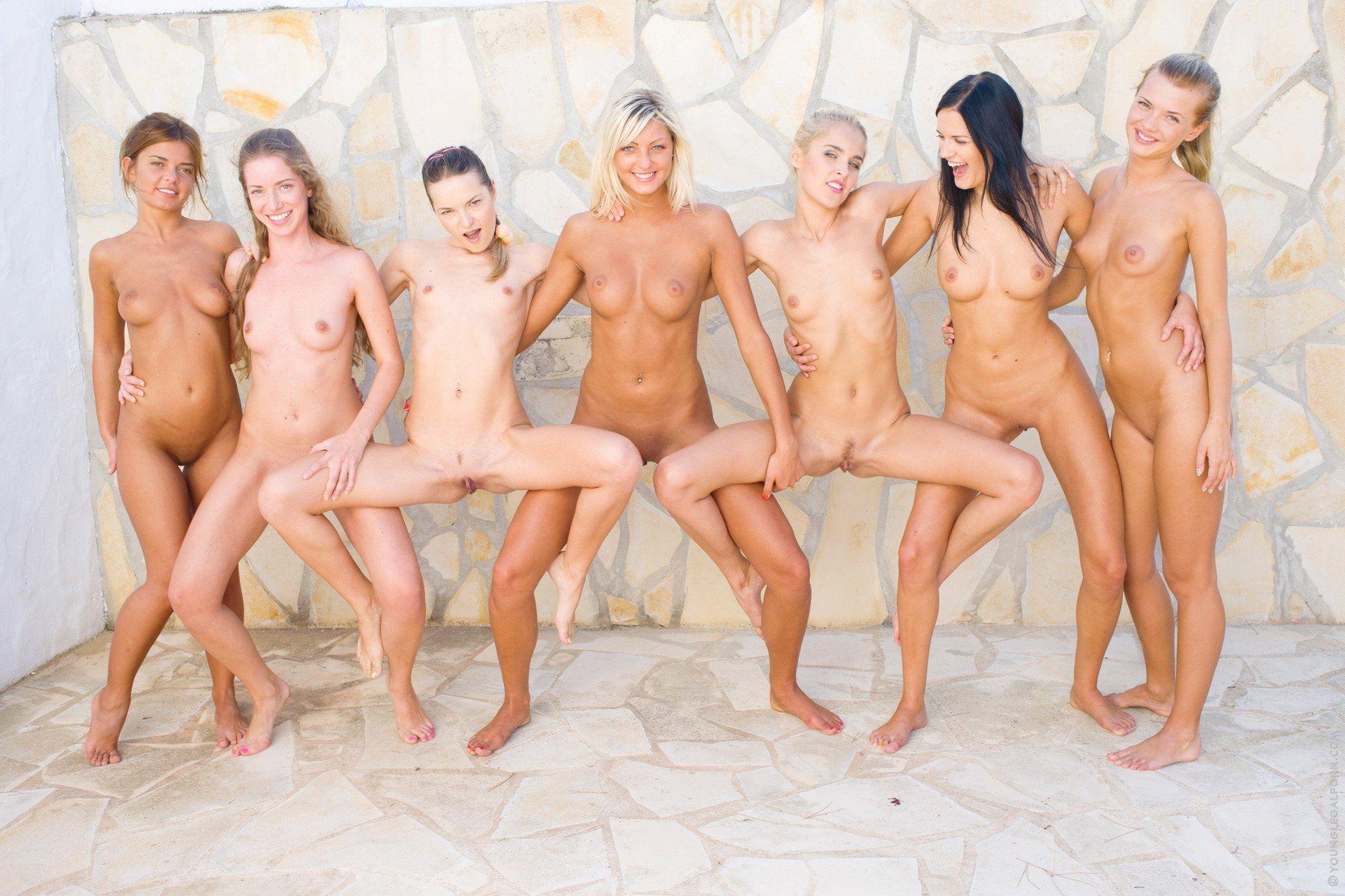 Frau adult pic nude free