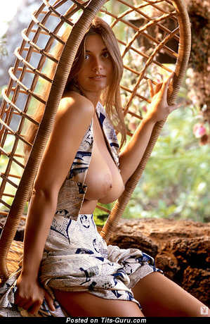 Frauen boobs playboy nackte big