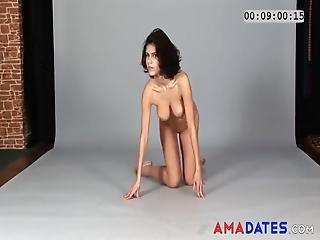 Posiert nackt amateur fuball mutter