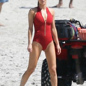 Modell nude bikini madchen nicht