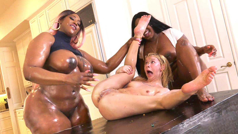 Ebony porn lesbian mobile free
