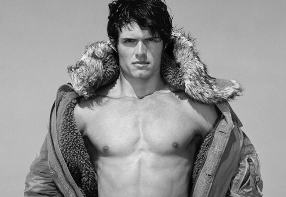 Und models fitch nackt matt male abercrombie