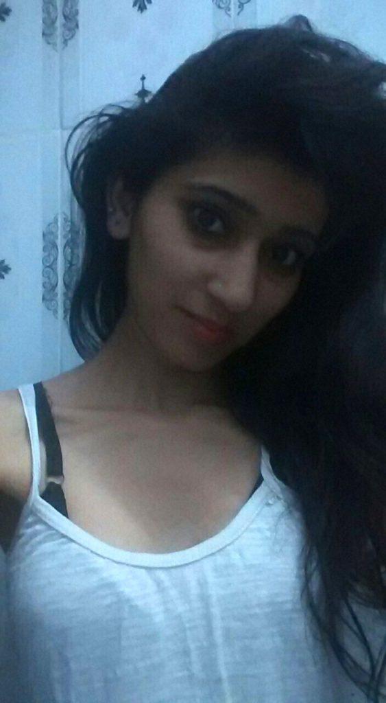 Selfie foto boobs girl hot desi