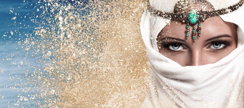 Arabische frauen sich uber beugte
