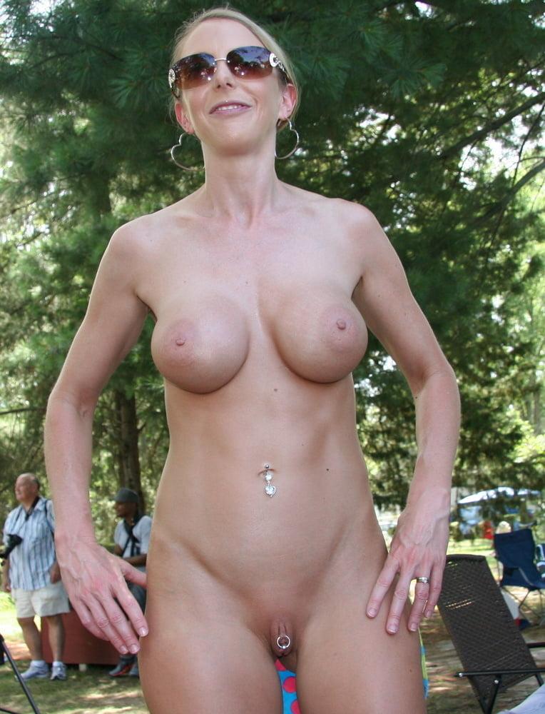 Ein nudes poppin bei amateure