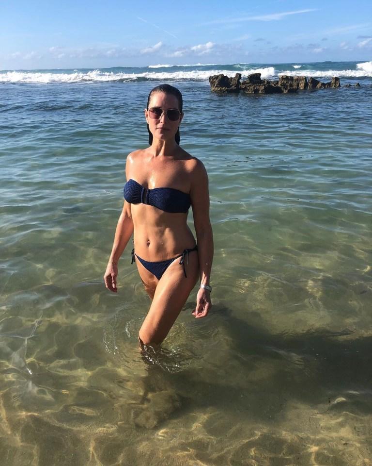 Blue lagoon shields pics brooke bikini