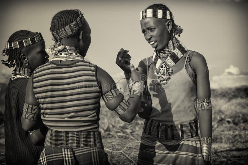 Spielen mit pussy afrika stamm muslm