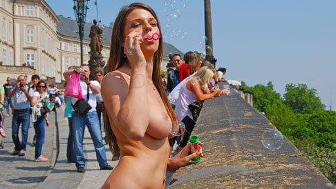 Offentlichkeit nackt in dvd der free