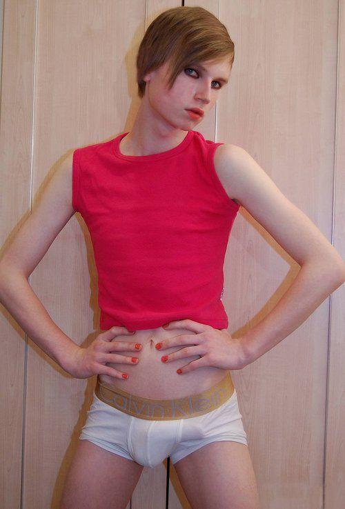 Feminine twink nackt niedlich boys