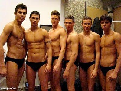 Offentlichen stripper nude male nackt